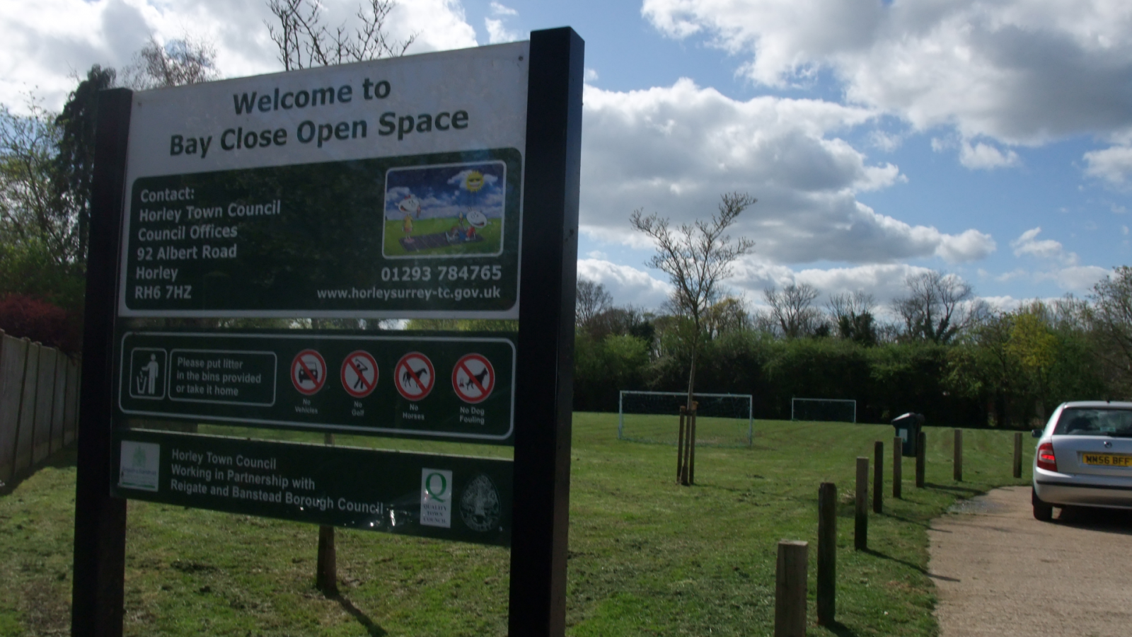 Photo of the entrance of Bay Close Open Space